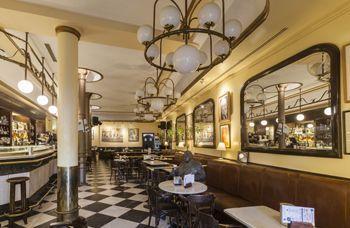 Imagen interior del Café Novelty